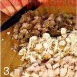 добавляем мясо по рецепту в бульон и замораживаем