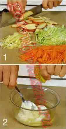 нарезаем яблоки и другие овощи, заправляем майонезом