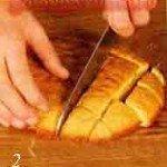 бисквит также режем на небольшие кусочки
