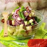 Картофельный салат с сосисками и яблоком