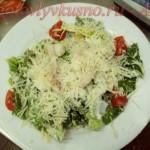 Простой рецепт салата цезарь с курицей под майонезно-горчичной заправкой