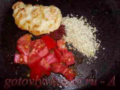 протушим куриное филе с помидорами и коньяком