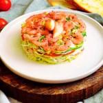 Салат с крабами и креветками