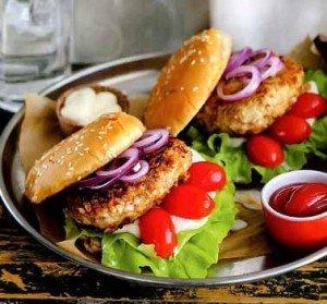 бургер из курицы или индейки