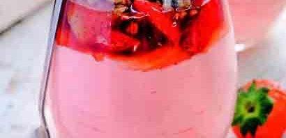 клубничный трайфл